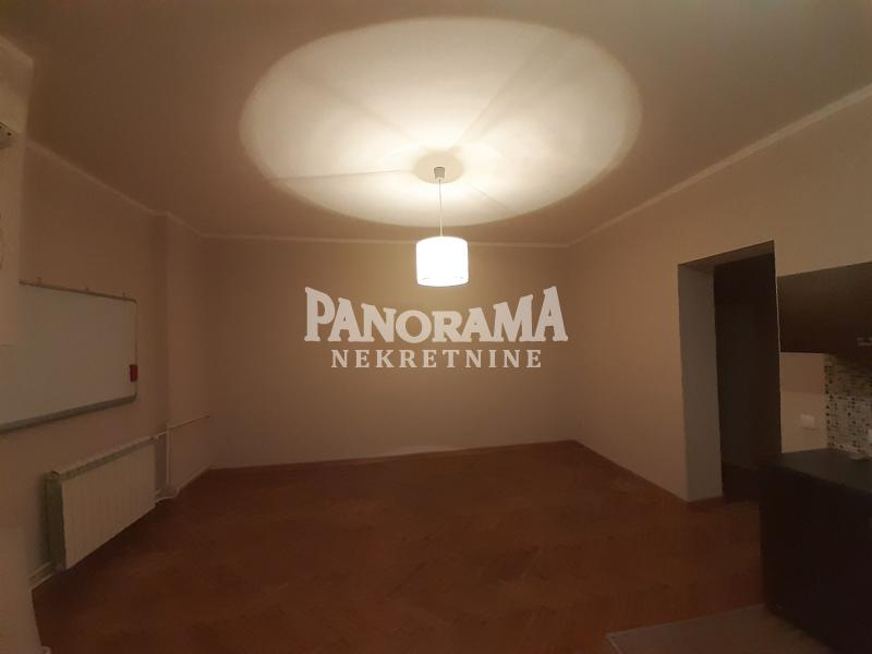 Stan Prodaja BEOGRAD Stari Grad Dom Omladine