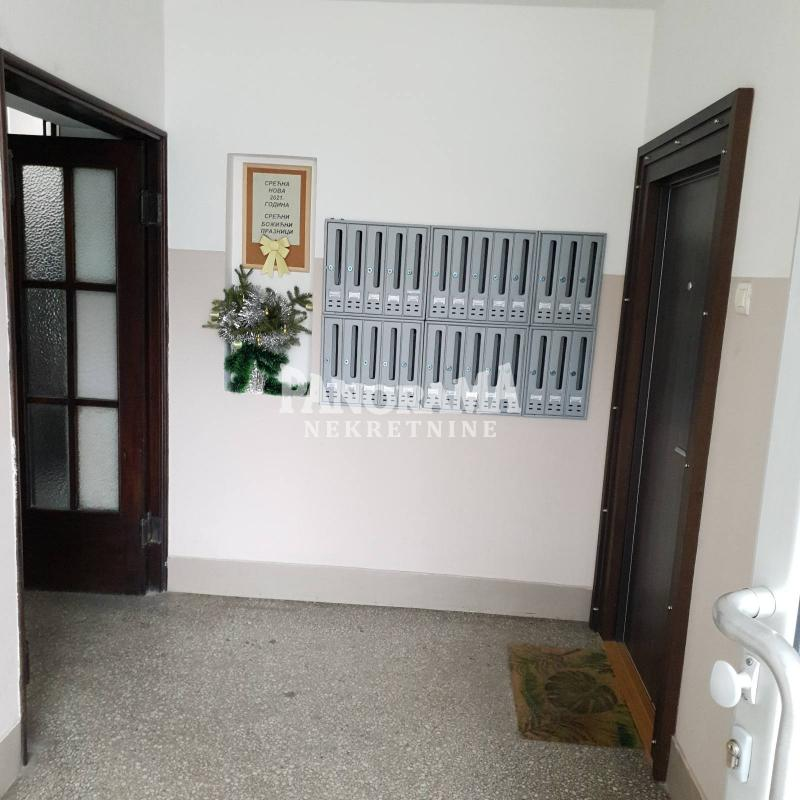 Stan Prodaja BEOGRAD Novi Beograd Blok 7 (Paviljoni)